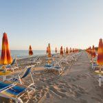 beach--v17055837
