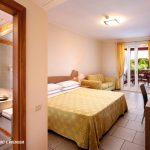 calane-village-villaggio-turistico-puglia-camera-comfort-premium