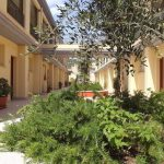 residence-le-fontane-villasimius-gallery-cortile-1-768x512