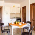 residence-le-fontane-villasimius-trilo6-cucina-1-768x512