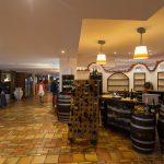 center-restaurant--v12506278